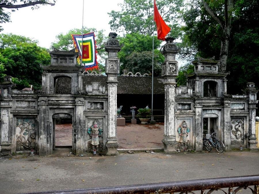 Đền Hạ là ngôi đền có kiến trúc đặc trưng vùng đồng bằng Bắc Bộ