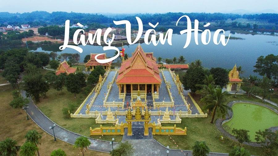 Làng Văn hóa cấc Dân tộc cách Hà Nội 40km về phía Tây