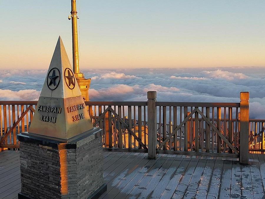 Fansipan là đỉnh núi cao nhất Đông Dương