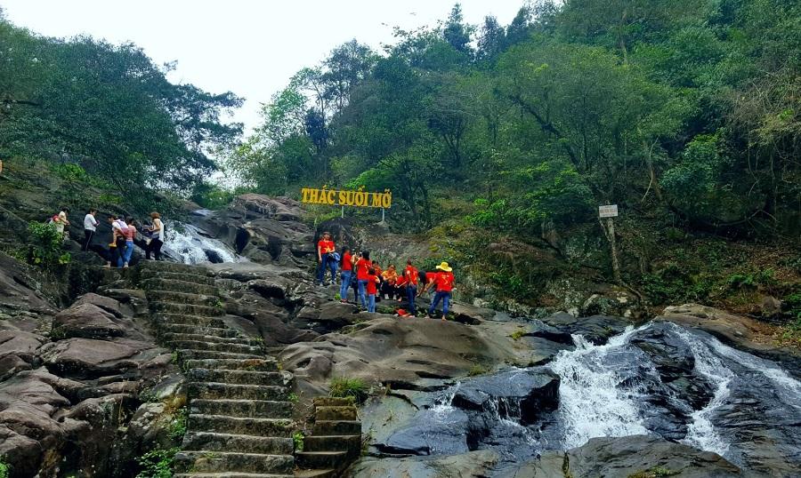 Suối Mỡ là khu du lịch sinh thái nổi tiếng tại Bắc Giang