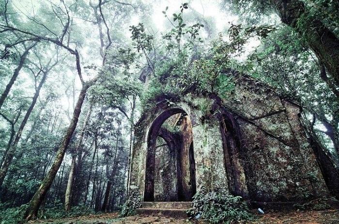 Nhà thờ cổ đậm chất huyền bí ở Ba Vì