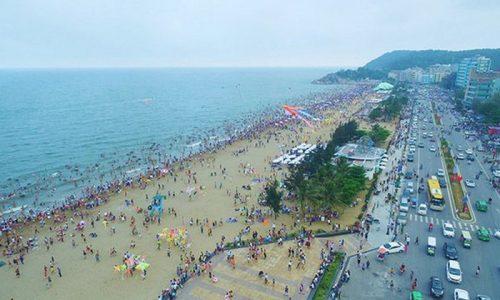 Bãi biển Sầm Sơn mỗi mùa du lịch đến