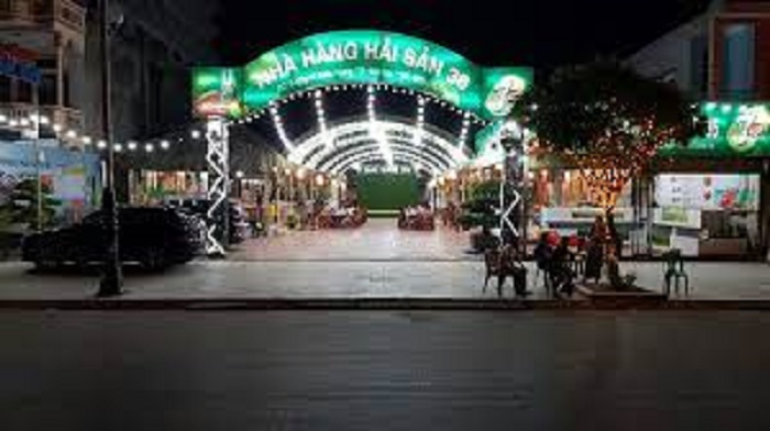 Không gian về đêm tại nhà hàng 36 Sầm Sơn