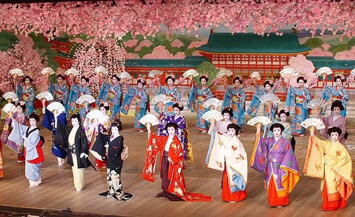 Điệu múa cổ điển của Nhật Bản được tái hiện sinh động
