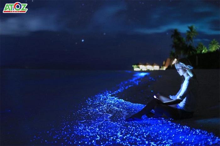 Bãi biển phát sáng như trong truyện cổ tích ở Maldives