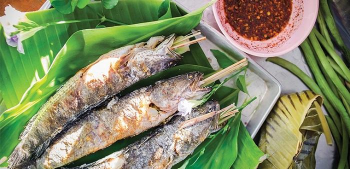 Cá lóc nướng trui - đặc sản ẩm thực miền Tây