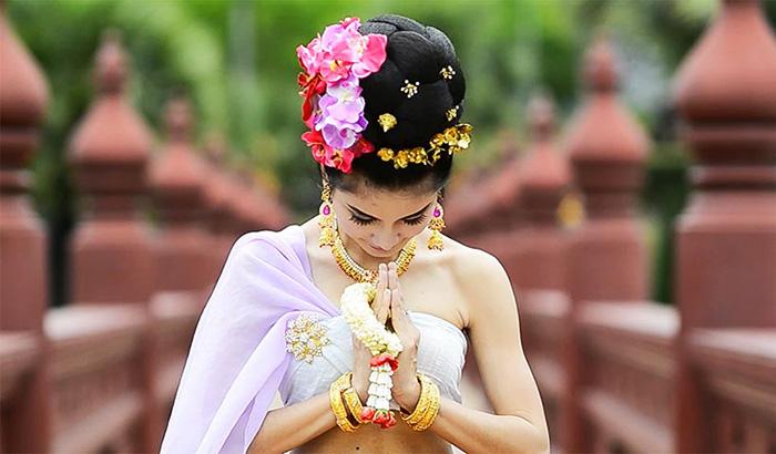 Kiểu chào truyền thống thể hiện sự tôn trọng, lịch sự của người Thái
