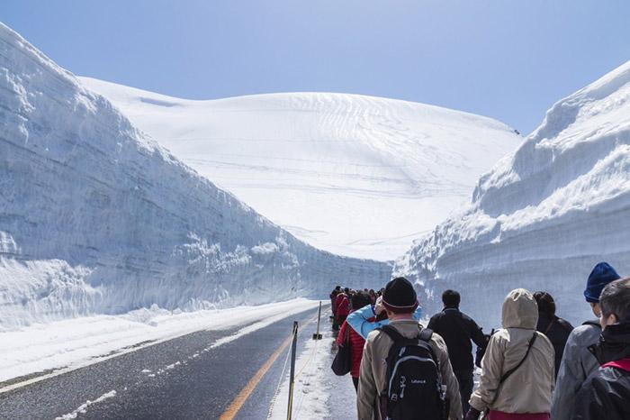 Cung đường tuyết mang đến cho du khách nhiều dấu ấn độc đáo