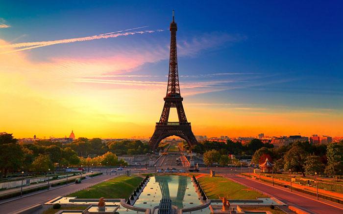 Biểu tượng của nước Pháp anh hùng mà không kém phần lãng mạn