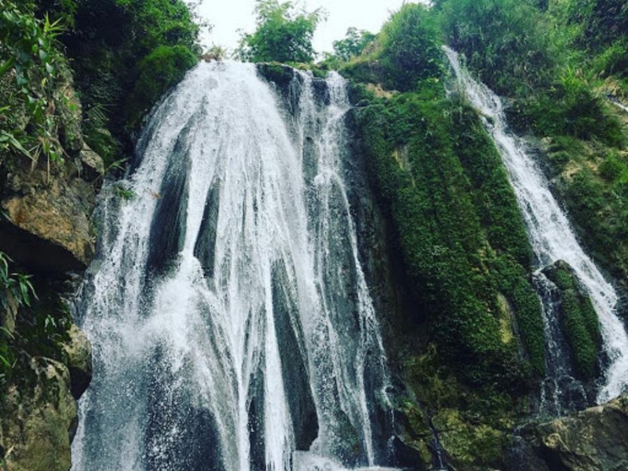 Vẻ đẹp của thác Trải Chiếu Quan Lang